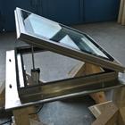 Lucernario motorizzato con gocciolatore per montaggio su muretto rialzato (3)