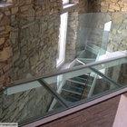 Ballatoio e scala in acciaio e vetro strutturale [1]