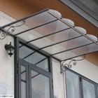 Tettoia dal design classico, in ferro e vetro