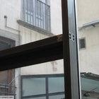 Vetrata con porta va-e-vieni in acciaio [5]