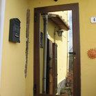 Porta in alluminio bicolore effetto legno, veneziana incorporata [1]